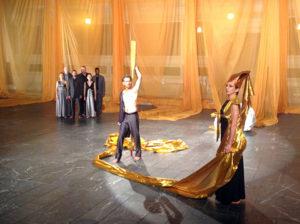 SITI Company rehearses Persians