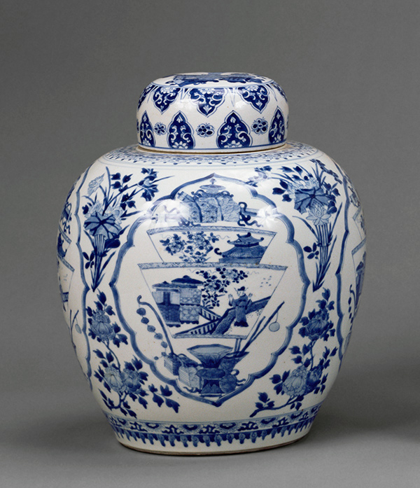 Lidded vase / Chinese