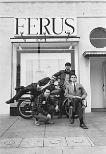 Artists outside the Ferus Gallery